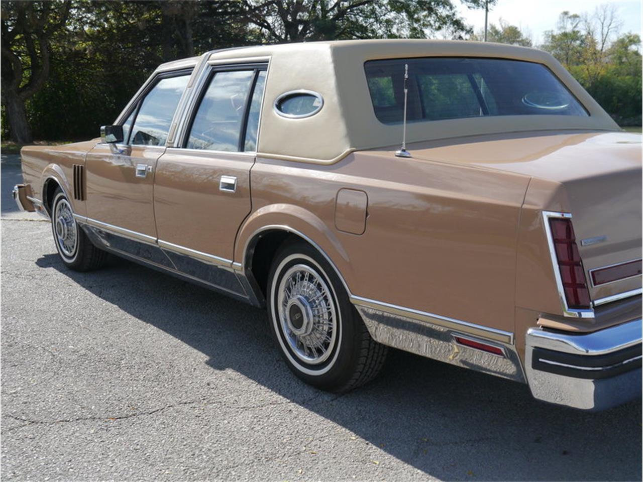 Large Picture of 1983 Lincoln Continental Mark VI located in Alsip Illinois - $7,900.00 - M7E3