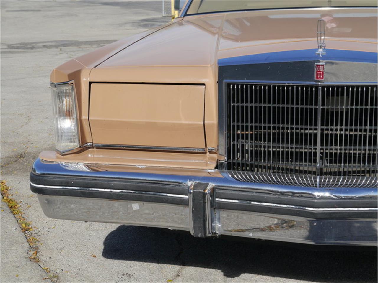 Large Picture of 1983 Lincoln Continental Mark VI located in Illinois - $7,900.00 - M7E3
