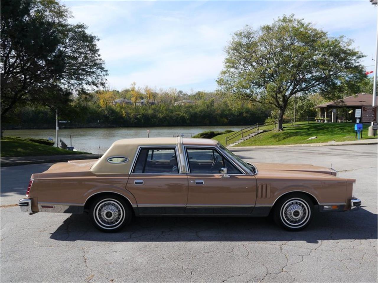 Large Picture of 1983 Lincoln Continental Mark VI - $7,900.00 - M7E3