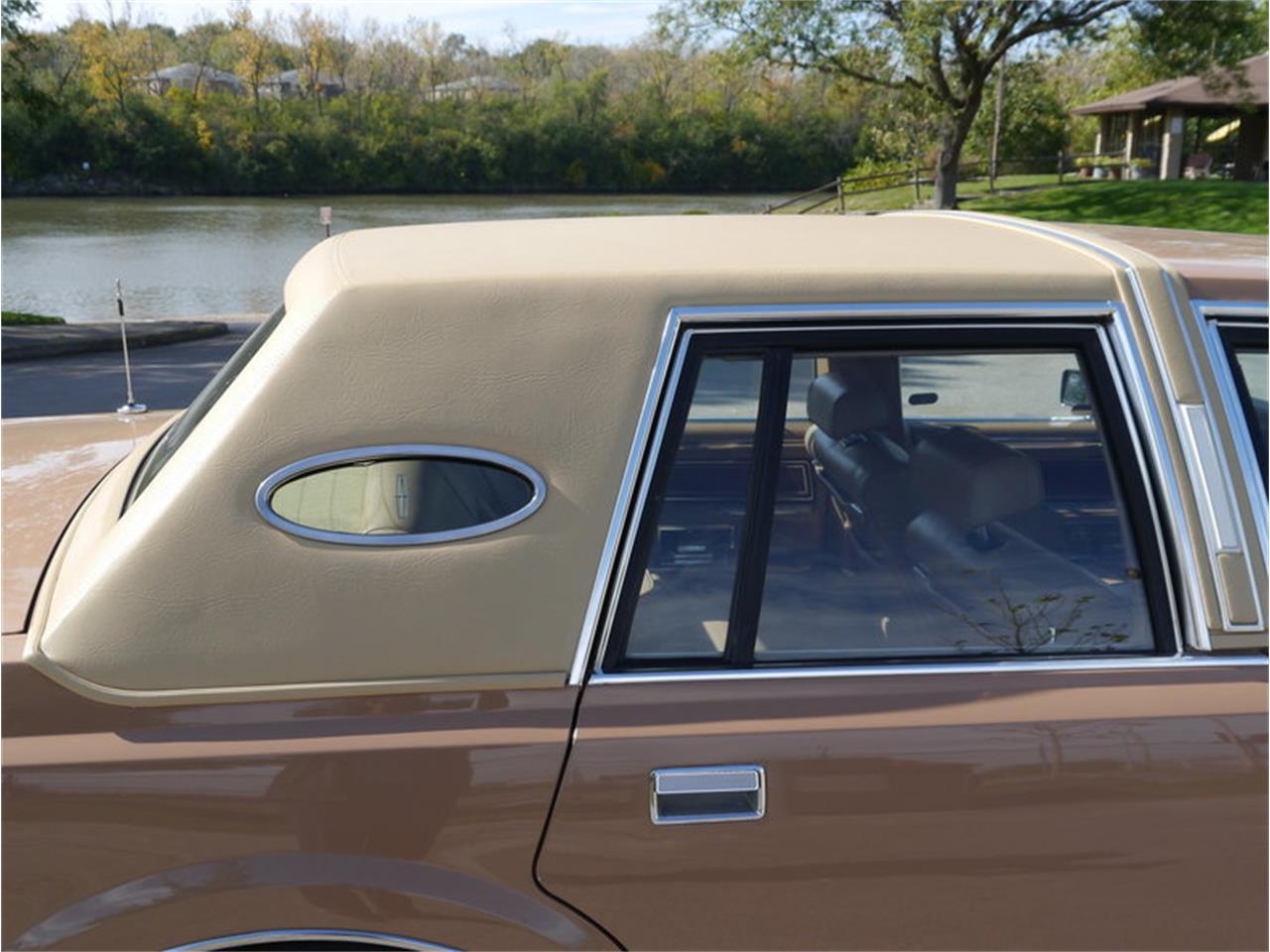 Large Picture of 1983 Lincoln Continental Mark VI located in Illinois - M7E3