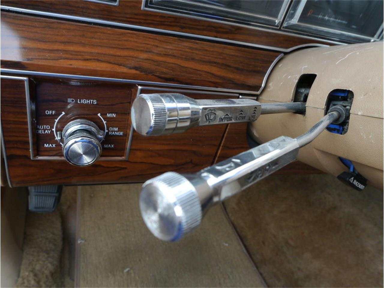 Large Picture of 1983 Lincoln Continental Mark VI - $7,900.00 Offered by Midwest Car Exchange - M7E3