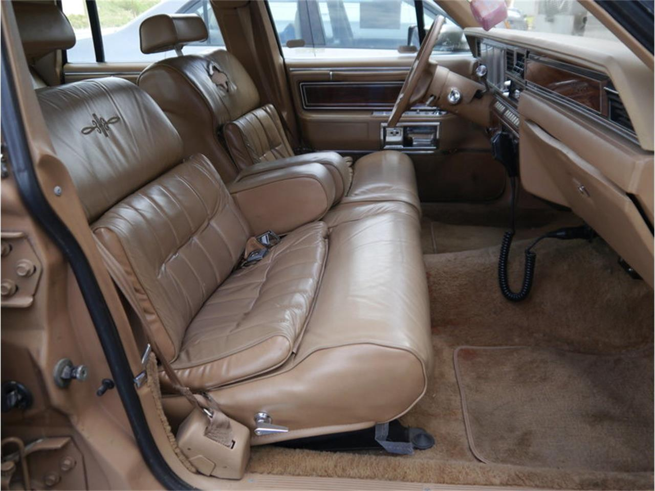 Large Picture of '83 Continental Mark VI - $7,900.00 Offered by Midwest Car Exchange - M7E3