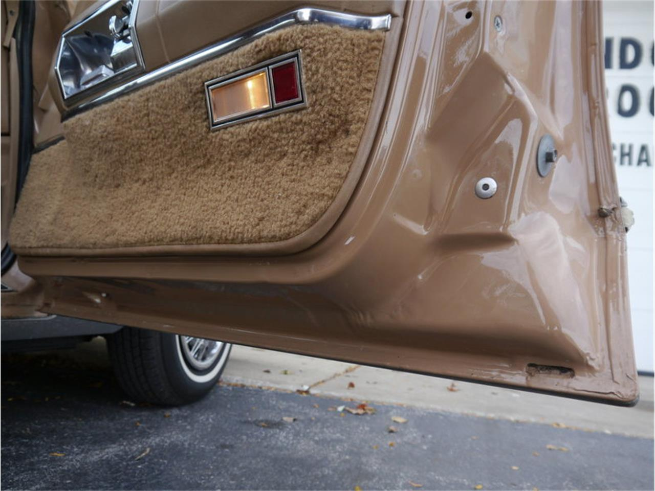 Large Picture of '83 Lincoln Continental Mark VI located in Illinois - $7,900.00 Offered by Midwest Car Exchange - M7E3