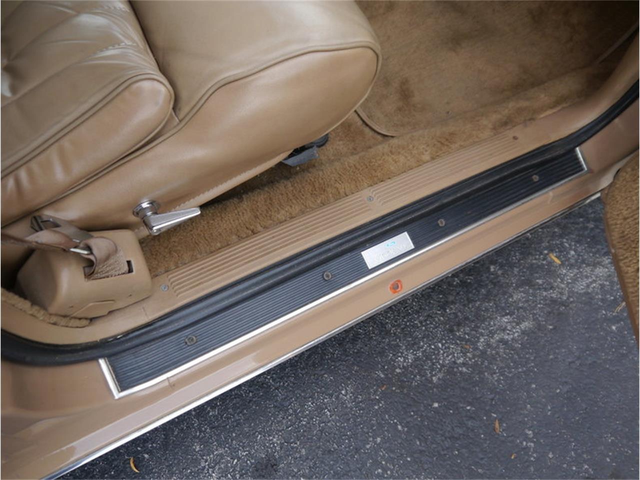 Large Picture of '83 Lincoln Continental Mark VI located in Alsip Illinois - $7,900.00 - M7E3