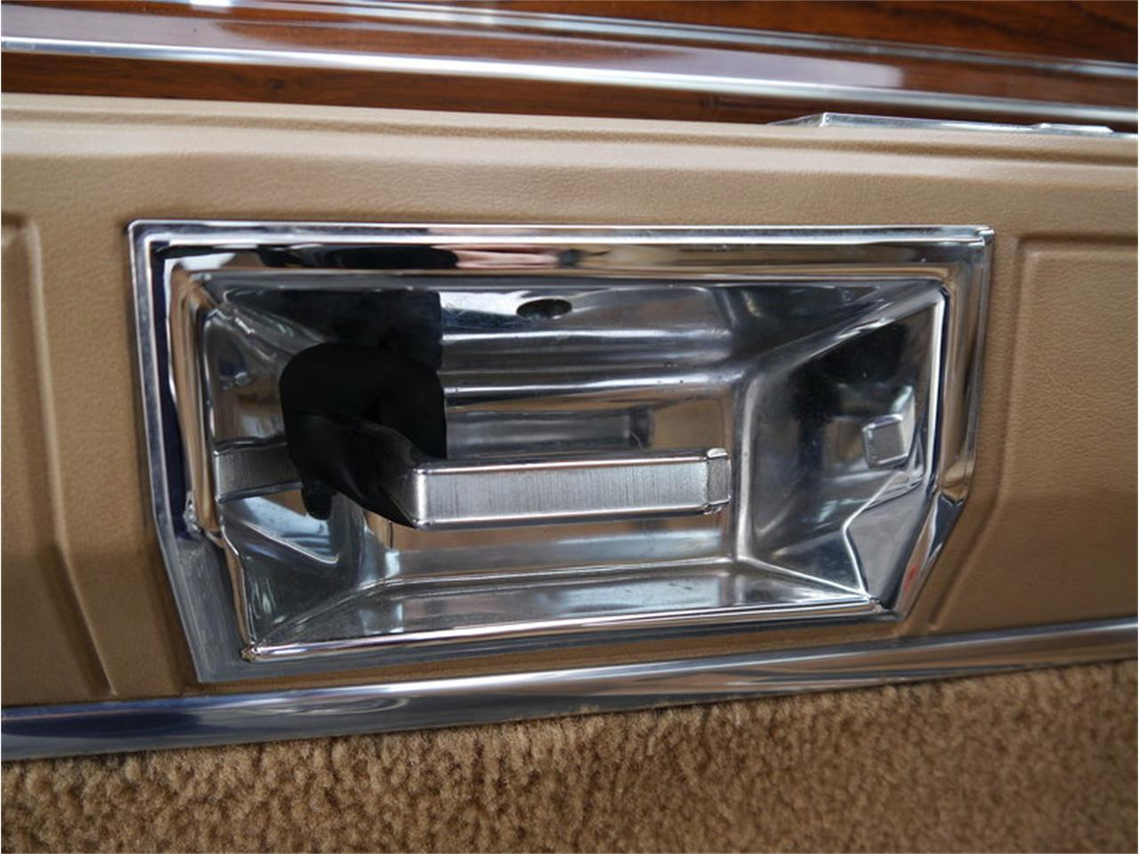 Large Picture of '83 Continental Mark VI located in Illinois - $7,900.00 Offered by Midwest Car Exchange - M7E3