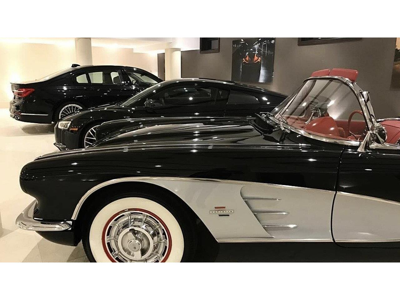 Large Picture of Classic 1961 Corvette Offered by a Private Seller - M7OZ