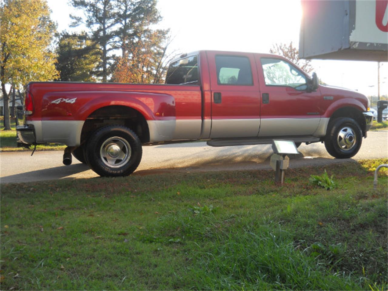 Large Picture of '02 Ford F350 - $16,950.00 - M7V9