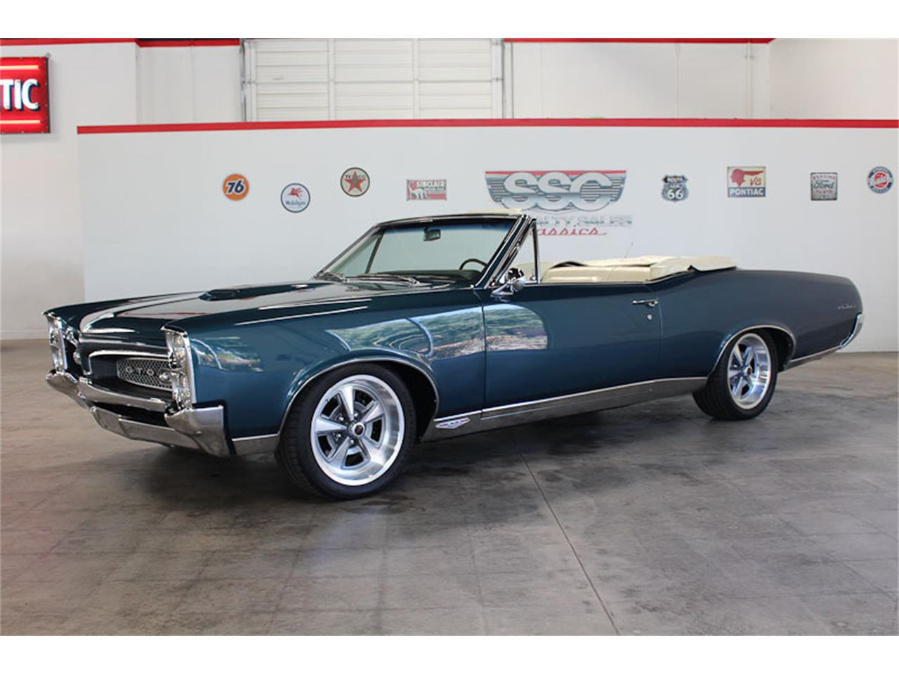 Large Picture of '67 GTO - M7YN