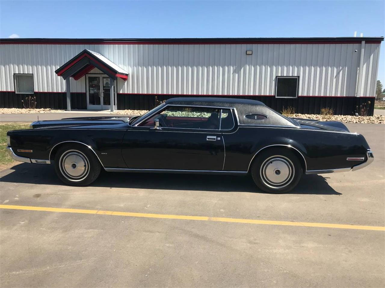 Large Picture of 1972 Lincoln Continental located in Minnesota - $9,900.00 Offered by High Rollers Hot Rods and Classics - M7ZR