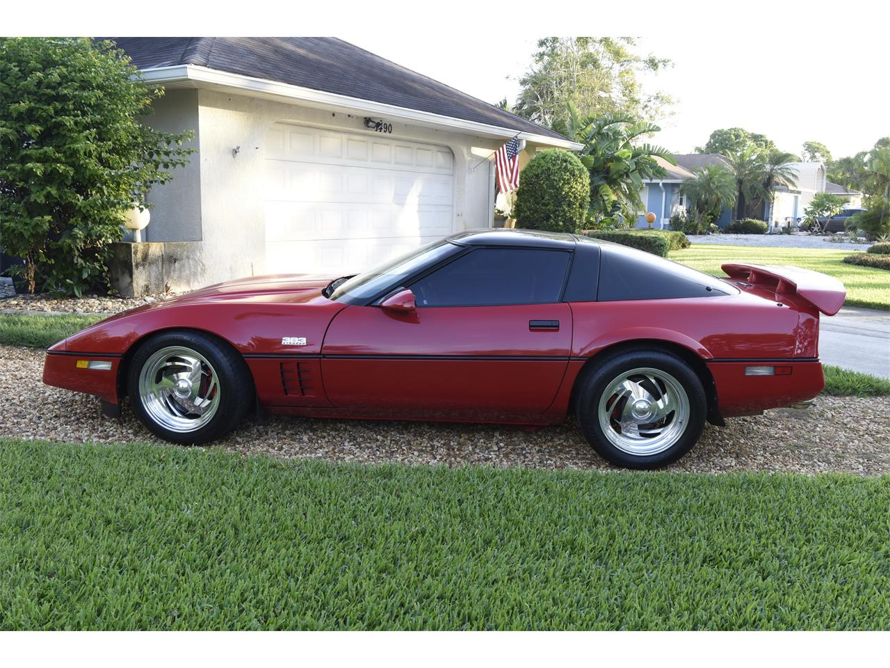 Large Picture of 1985 Chevrolet Corvette located in Venice Florida Offered by a Private Seller - M81O