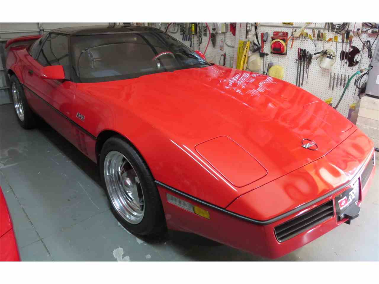 Large Picture of '85 Corvette - M81O