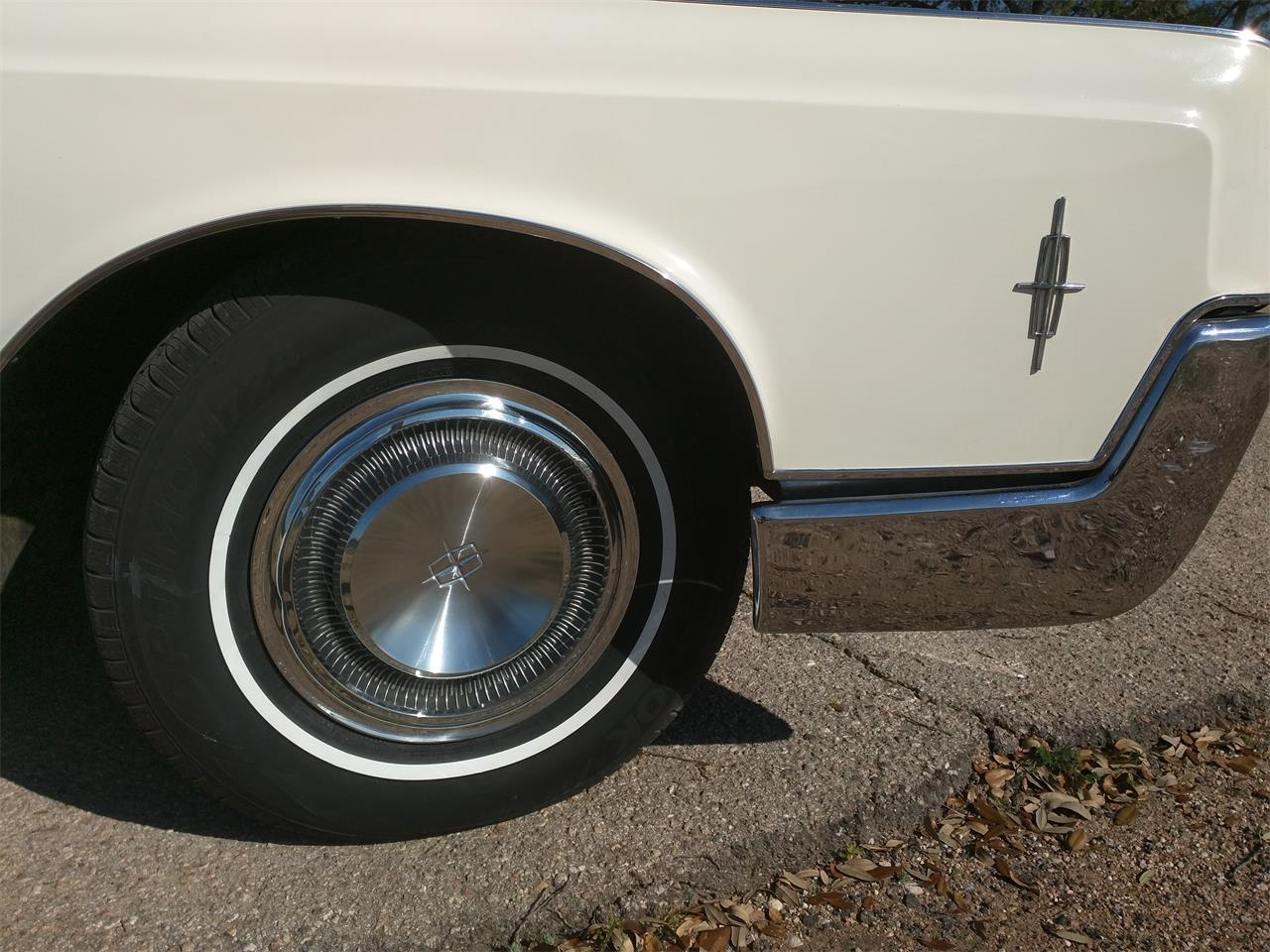 Large Picture of '66 Continental - $10,750.00 - M87N