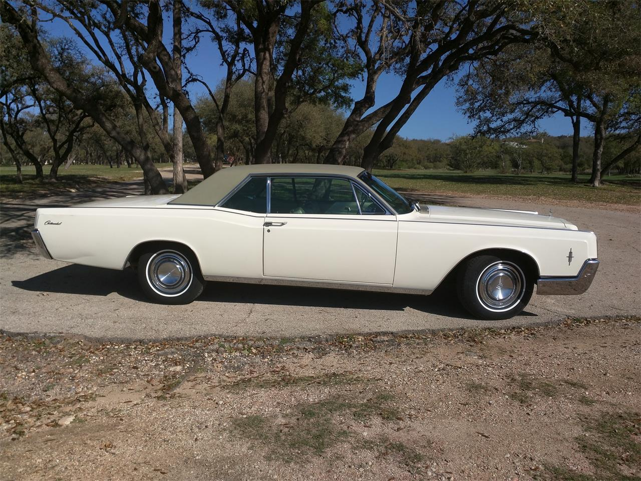Large Picture of Classic 1966 Continental - $10,750.00 - M87N