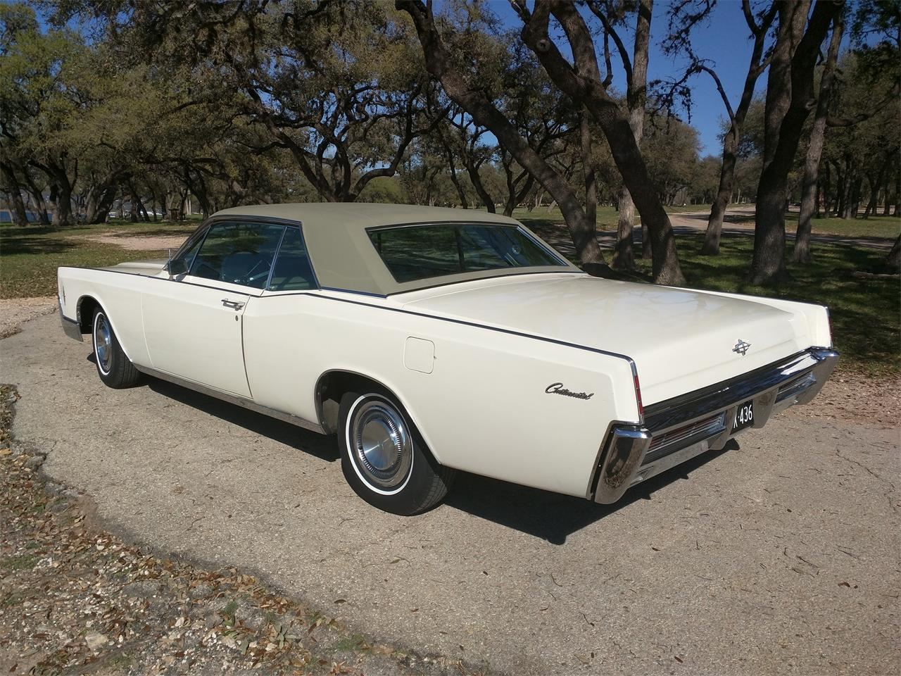 Large Picture of 1966 Continental - $10,750.00 - M87N
