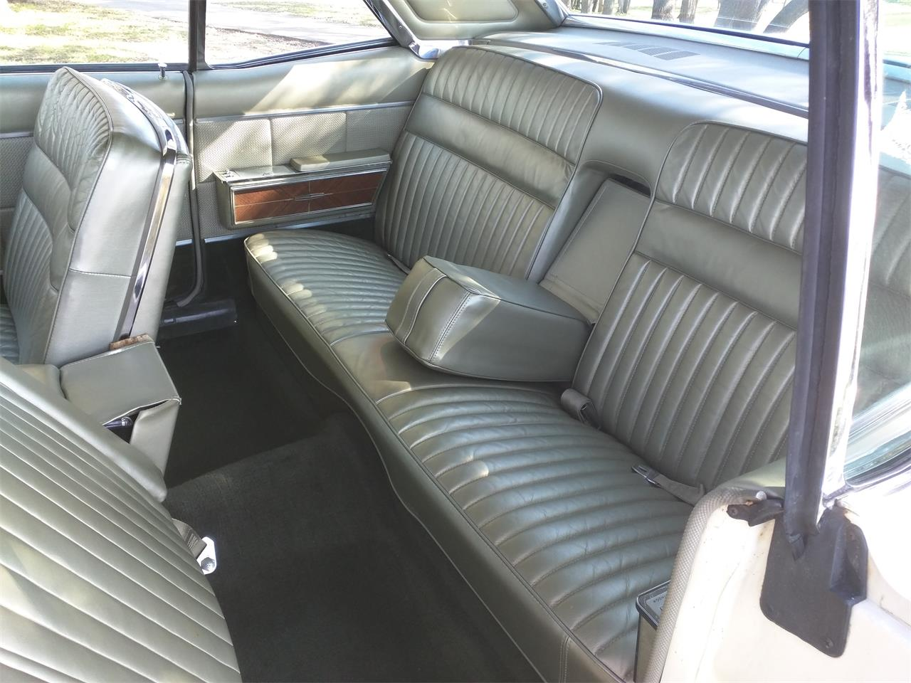 Large Picture of 1966 Lincoln Continental - M87N
