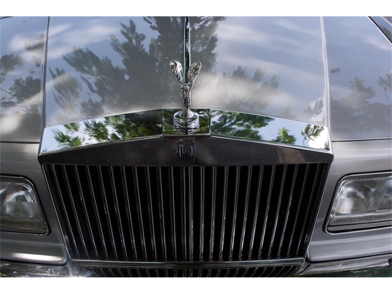 Large Picture of 1986 Rolls-Royce Silver Spur located in Boca Raton Florida - $18,900.00 Offered by Show Cars of Boca Raton - M883