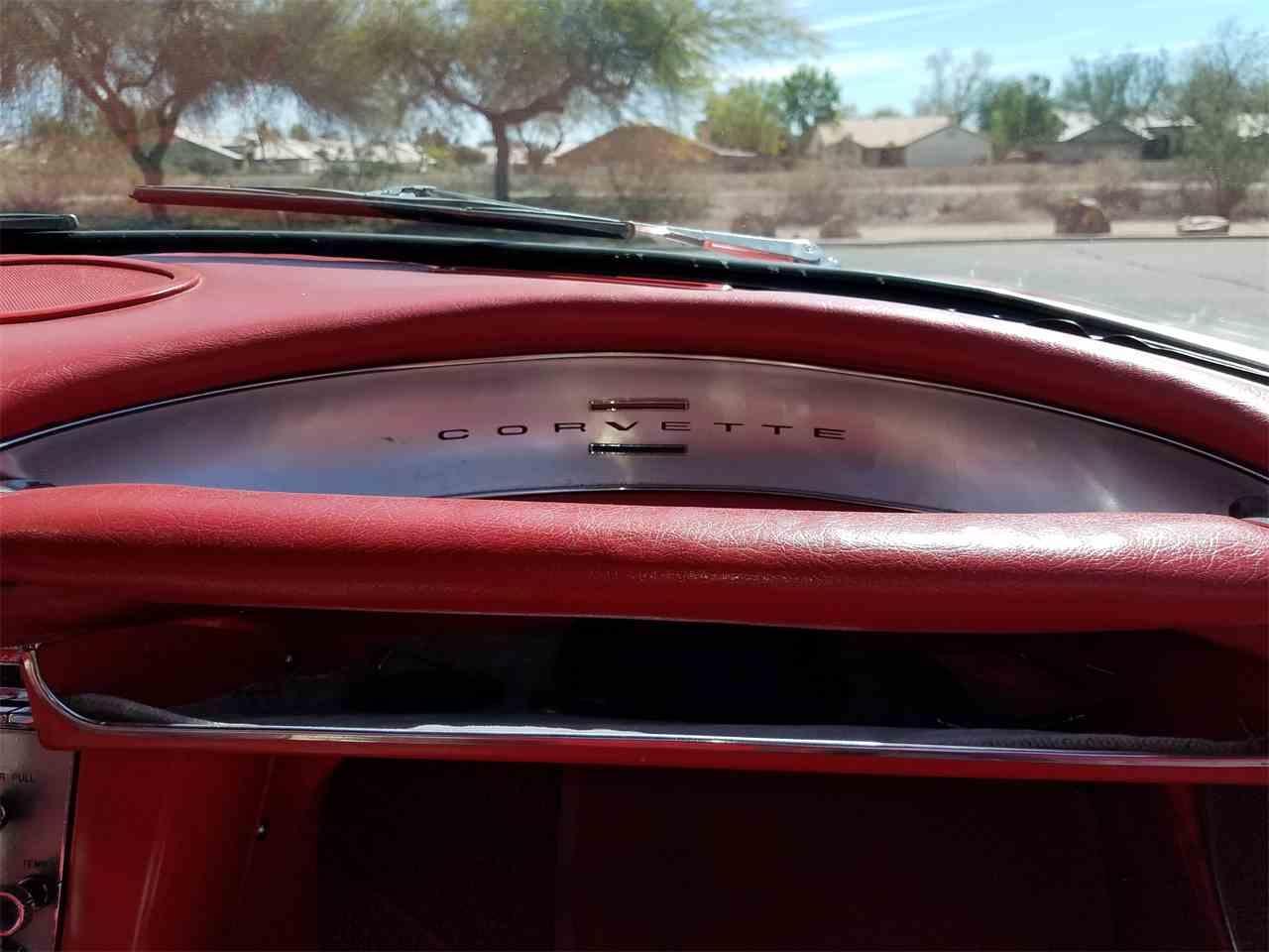 Large Picture of '60 Corvette - M8A0