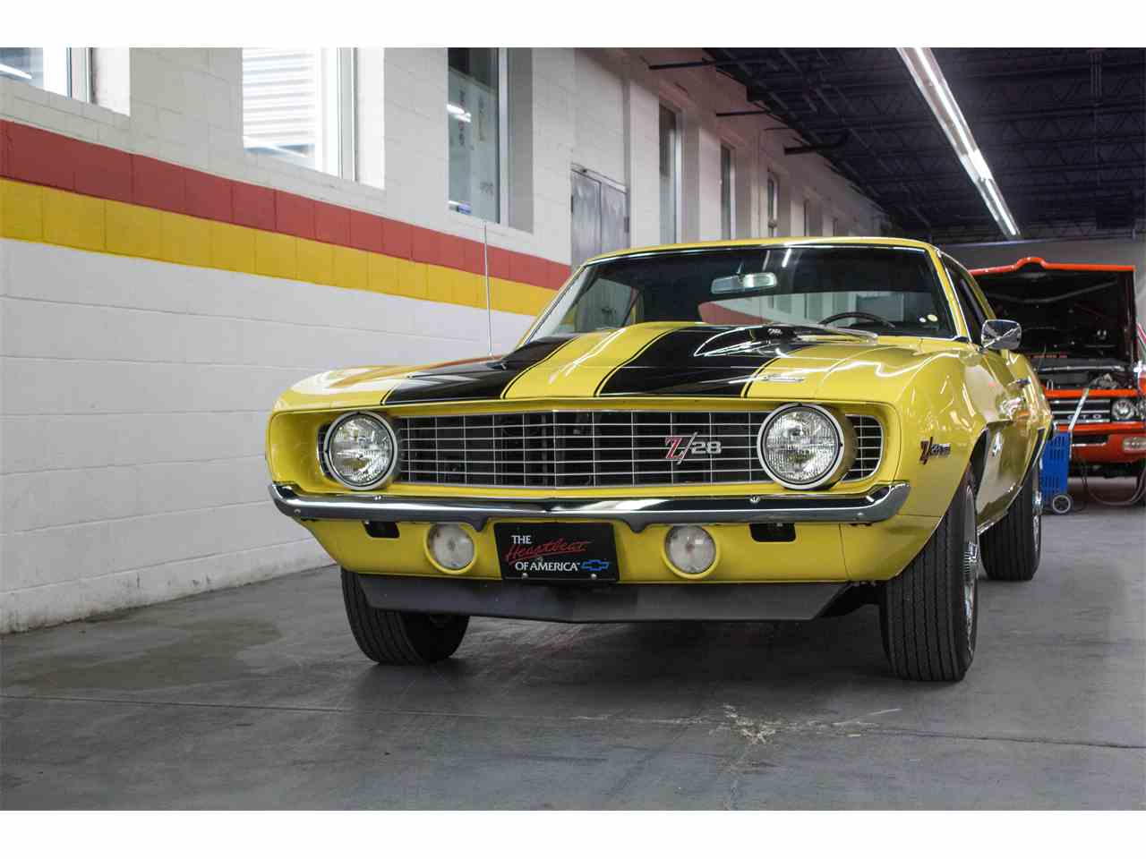 Large Picture of Classic '69 Chevrolet Camaro Z28 located in Montreal Quebec Offered by John Scotti Classic Cars - M8KS