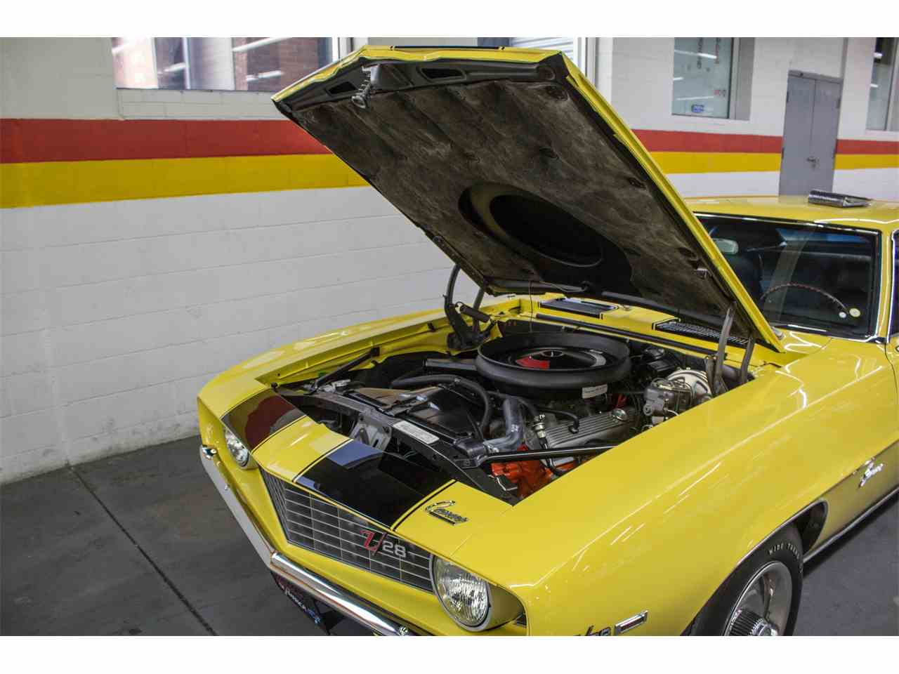 Large Picture of Classic '69 Camaro Z28 located in Quebec Offered by John Scotti Classic Cars - M8KS