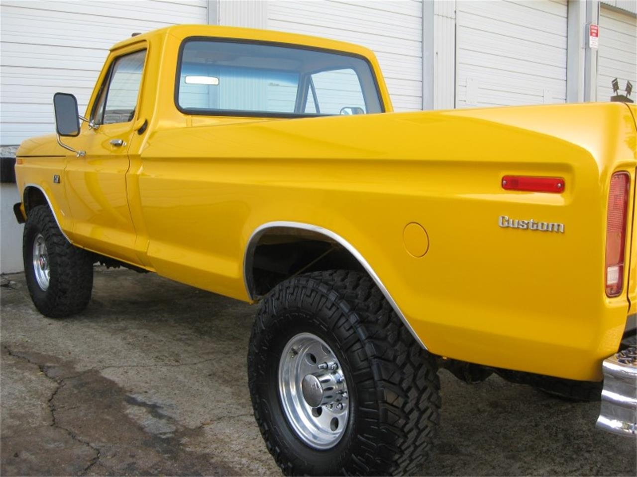 Large Picture of '74 Ford F250 - M8LZ