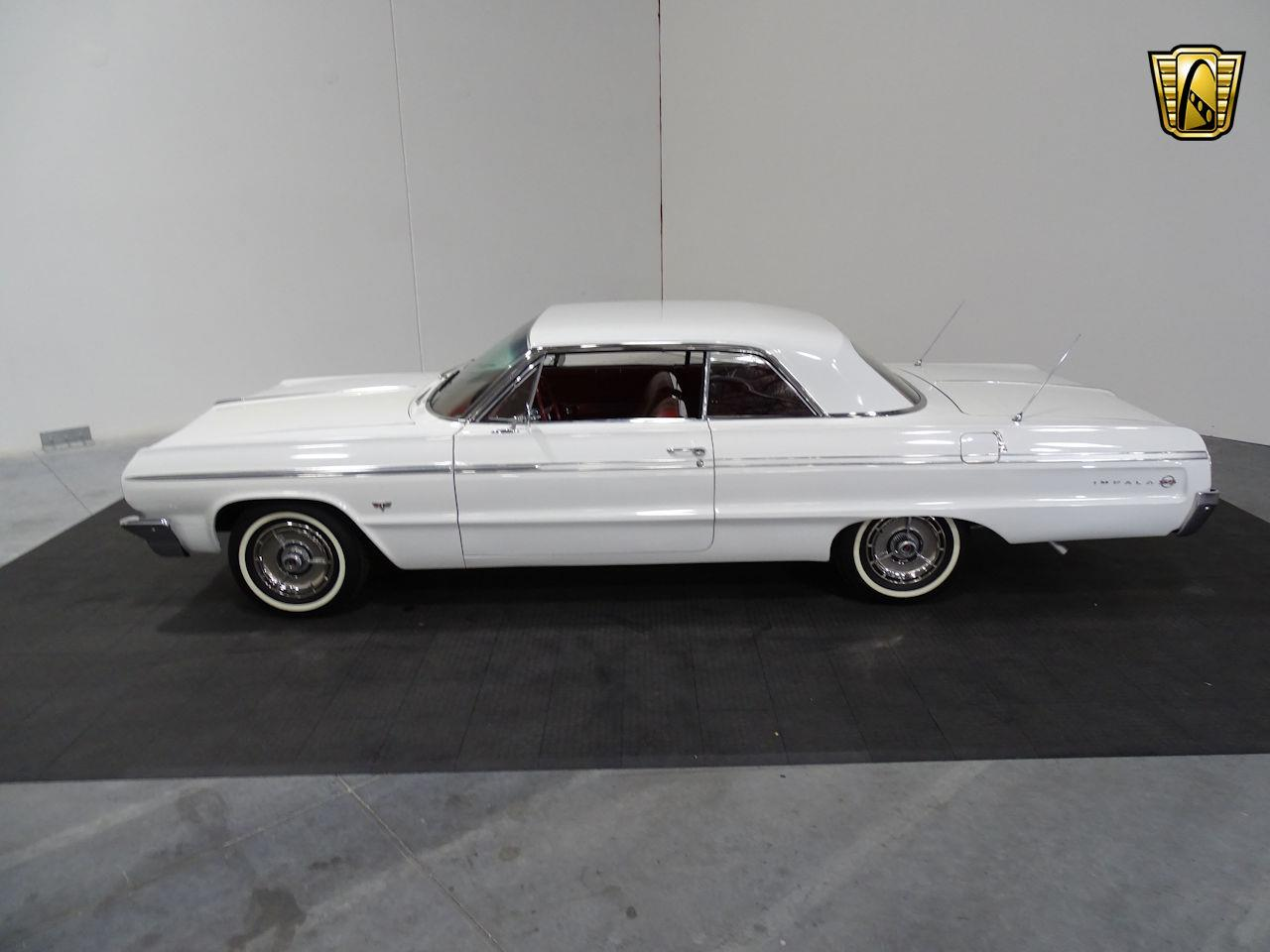 Large Picture of '64 Chevrolet Impala located in Texas Offered by Gateway Classic Cars - Houston - M8PS