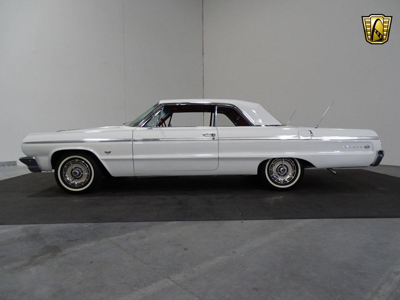 Large Picture of '64 Impala Offered by Gateway Classic Cars - Houston - M8PS