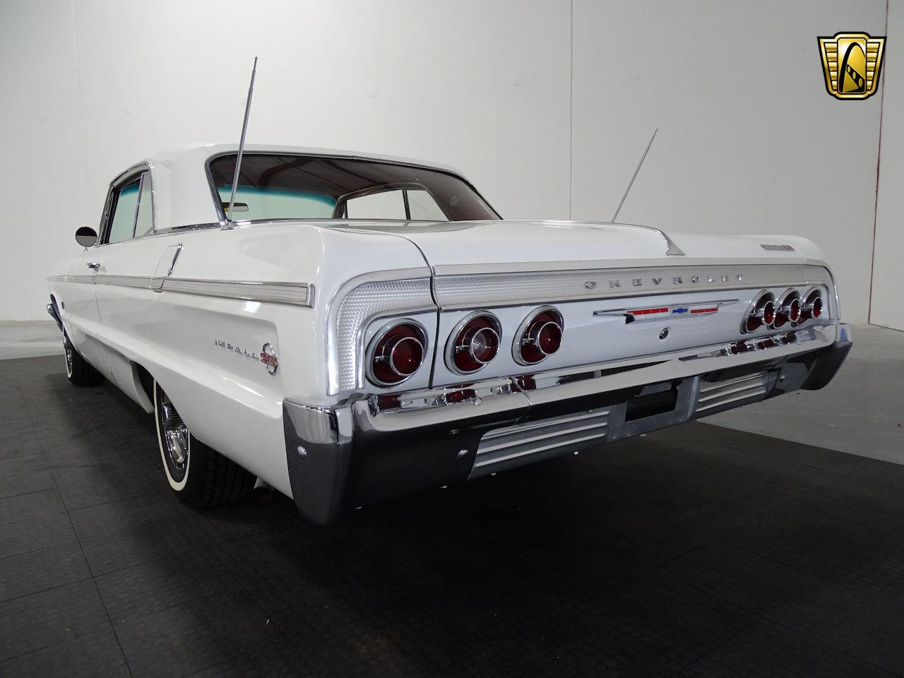 Large Picture of '64 Chevrolet Impala - M8PS