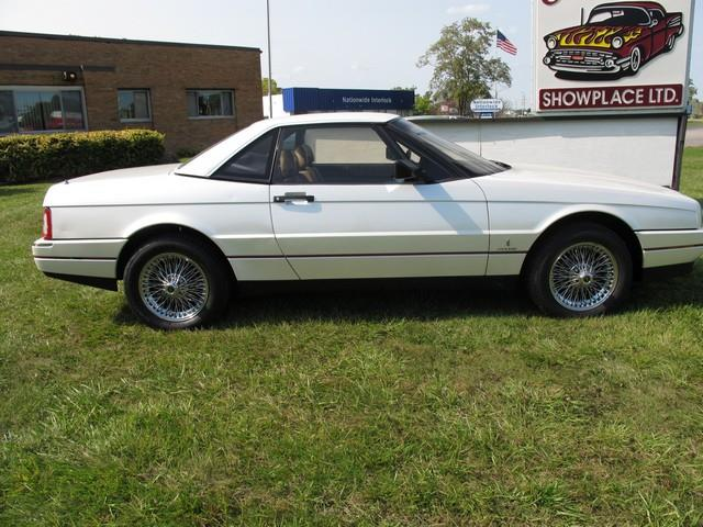 Picture of '89 Cadillac Allante located in Troy Michigan Offered by  - M8Q1