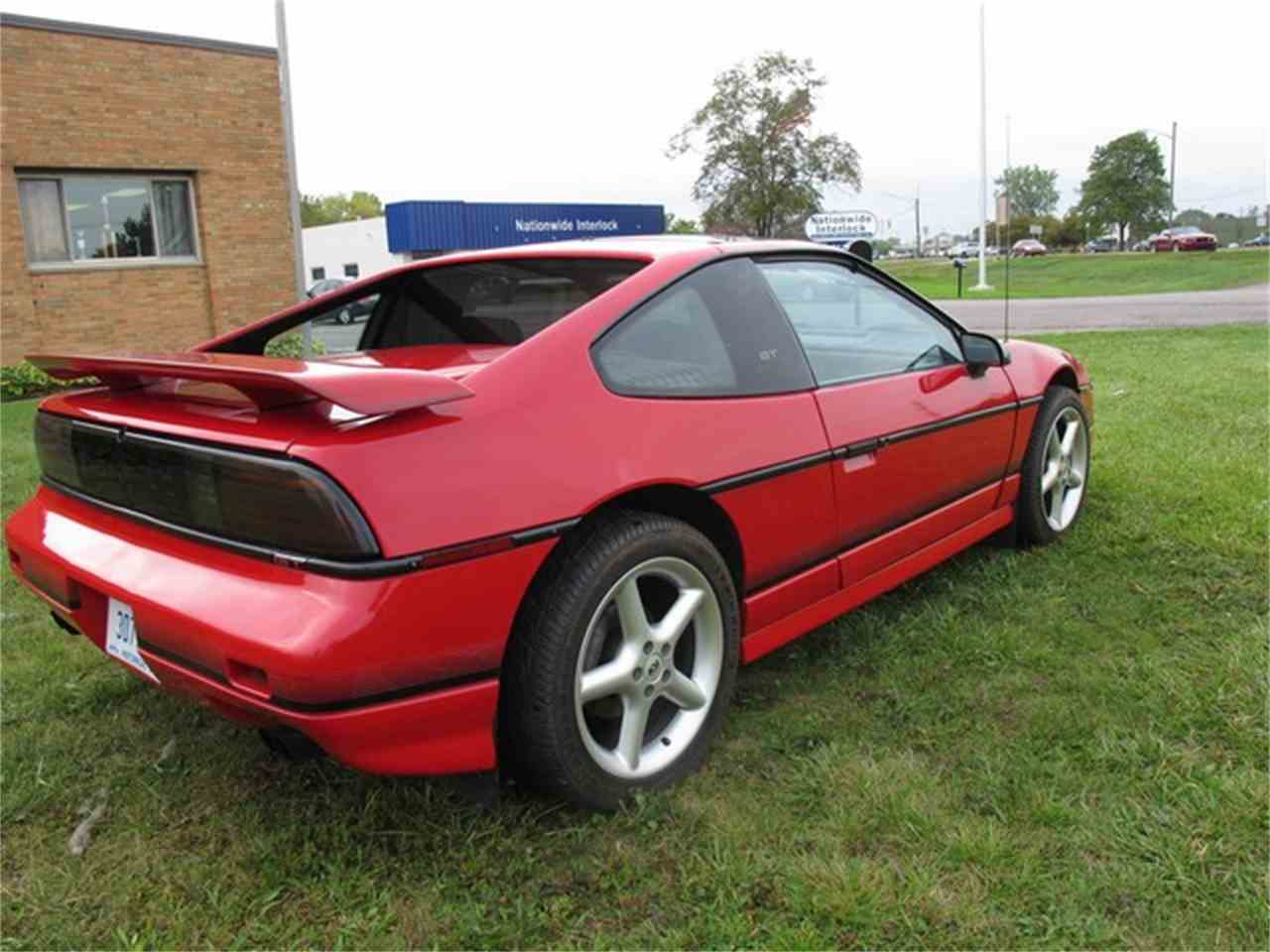 Large Picture of '88 Fiero - M8Q2
