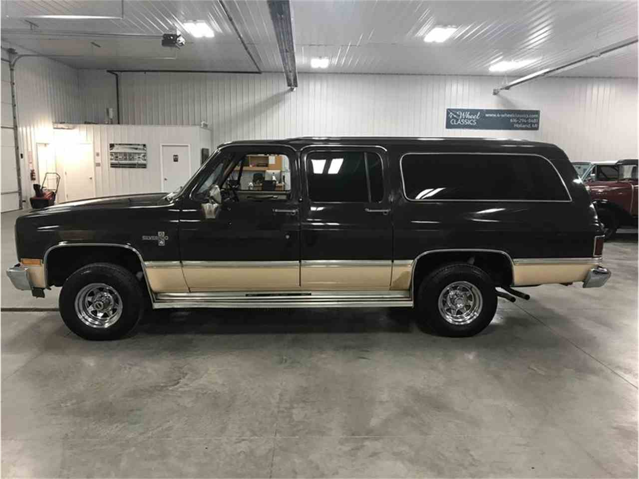 Large Picture of '84 Suburban - M8RC