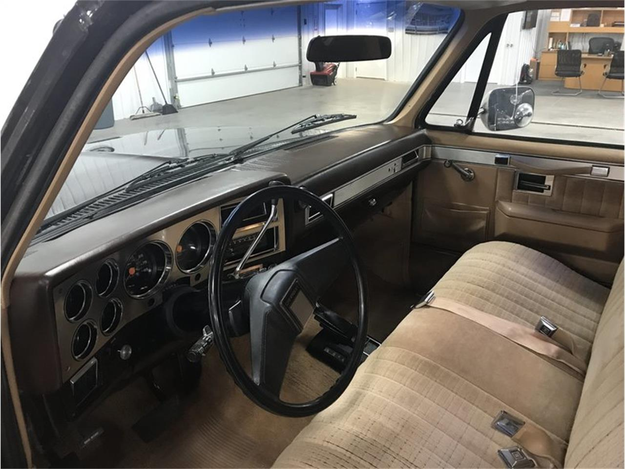 Large Picture of 1984 Suburban located in Michigan - M8RC