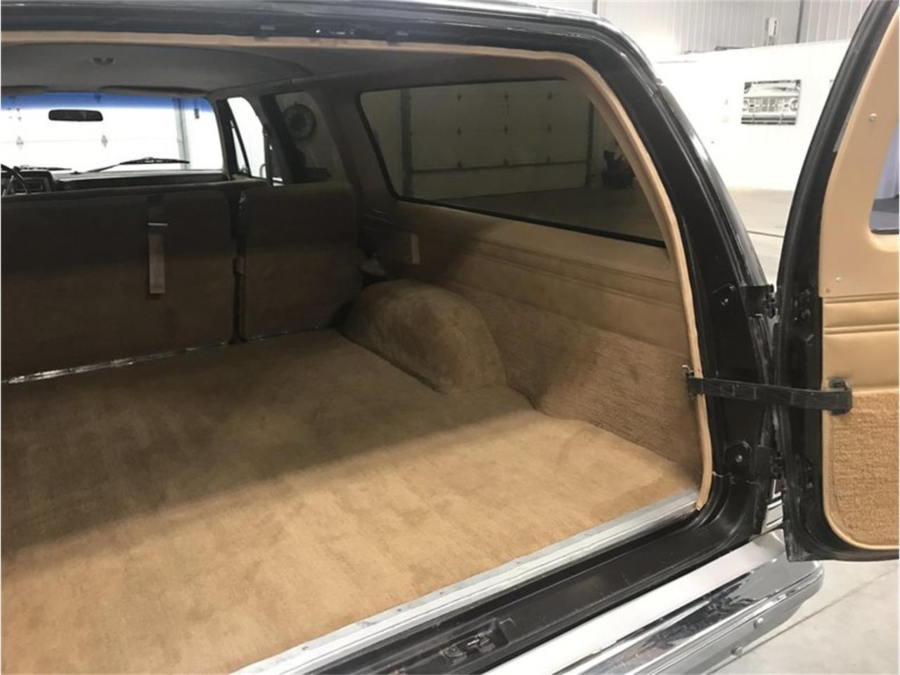 Large Picture of '84 Chevrolet Suburban located in Michigan Offered by 4-Wheel Classics - M8RC