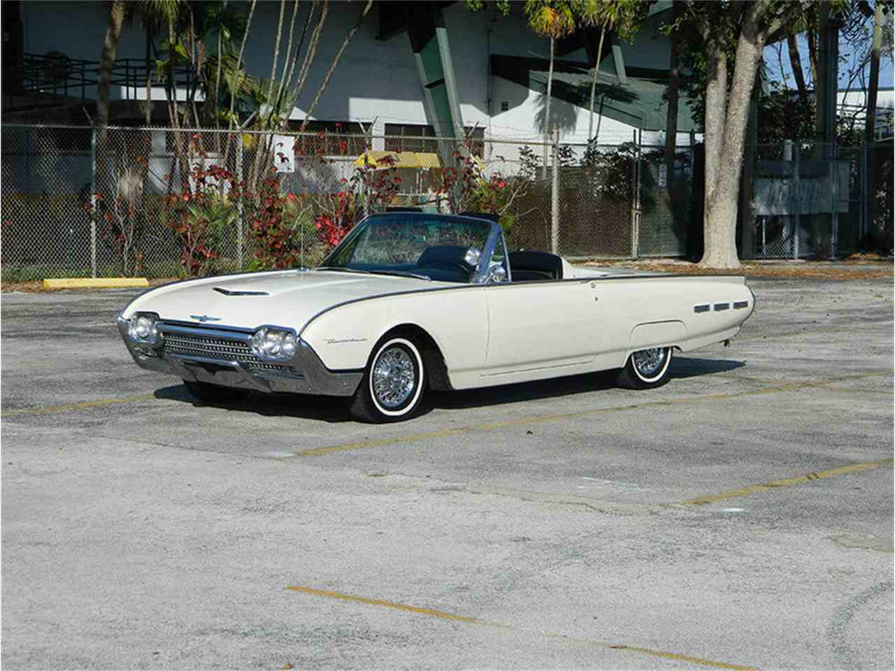 Large Picture of Classic 1962 Thunderbird located in Fort Lauderdale Florida Offered by International Auto Group - M8SF