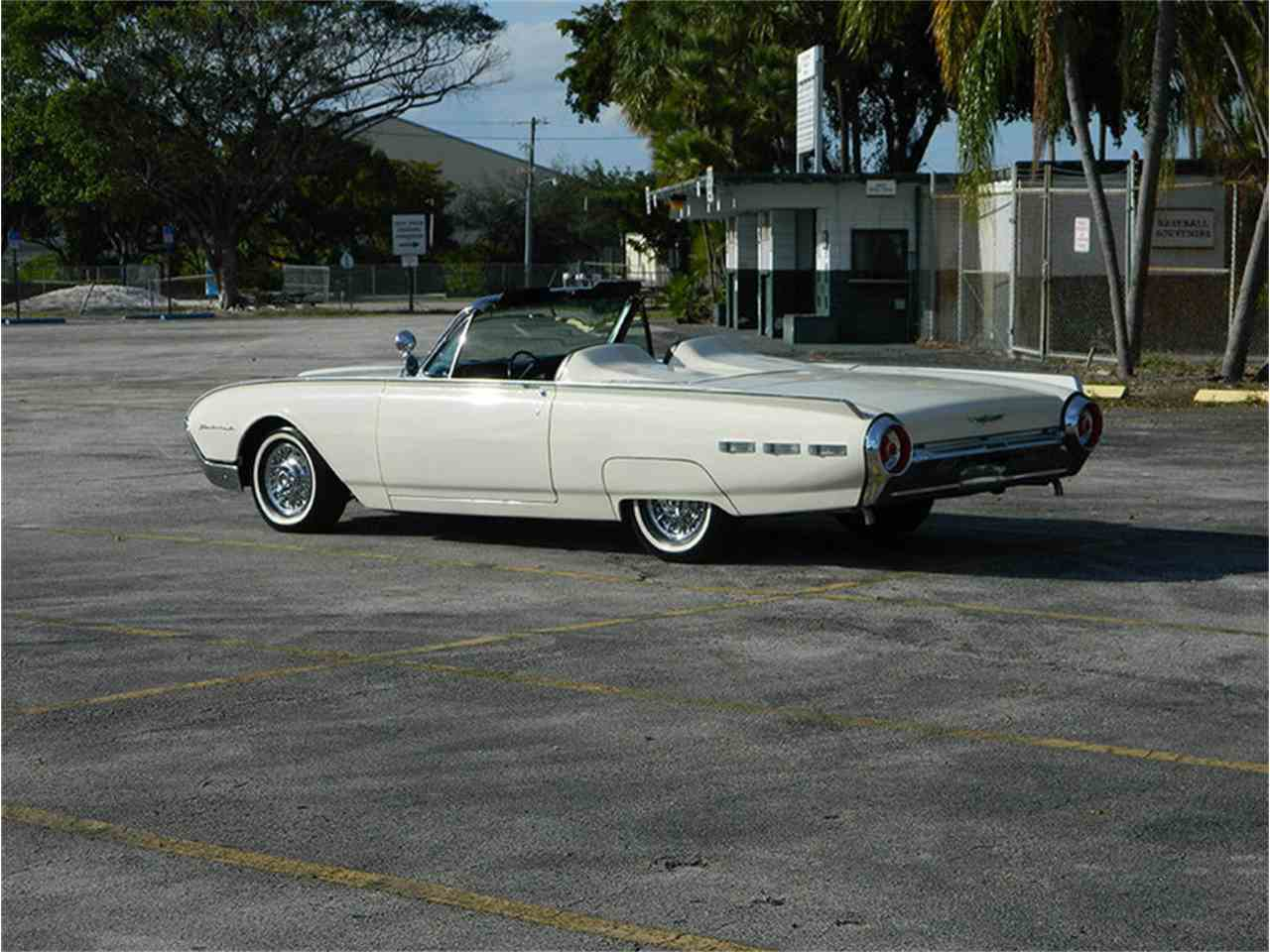 Large Picture of Classic '62 Ford Thunderbird located in Fort Lauderdale Florida Offered by International Auto Group - M8SF