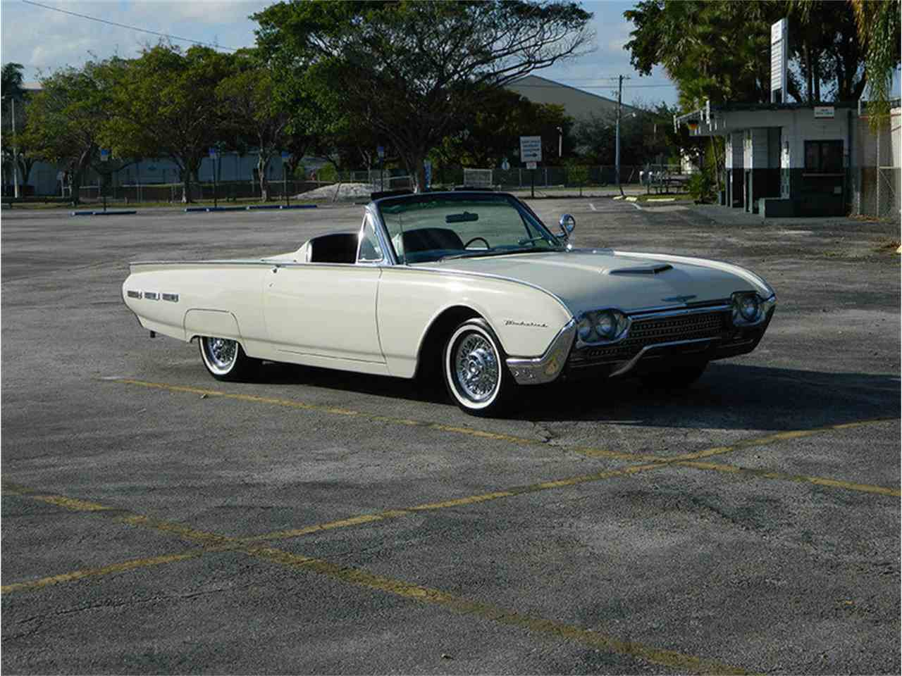 Large Picture of '62 Ford Thunderbird - $49,900.00 - M8SF