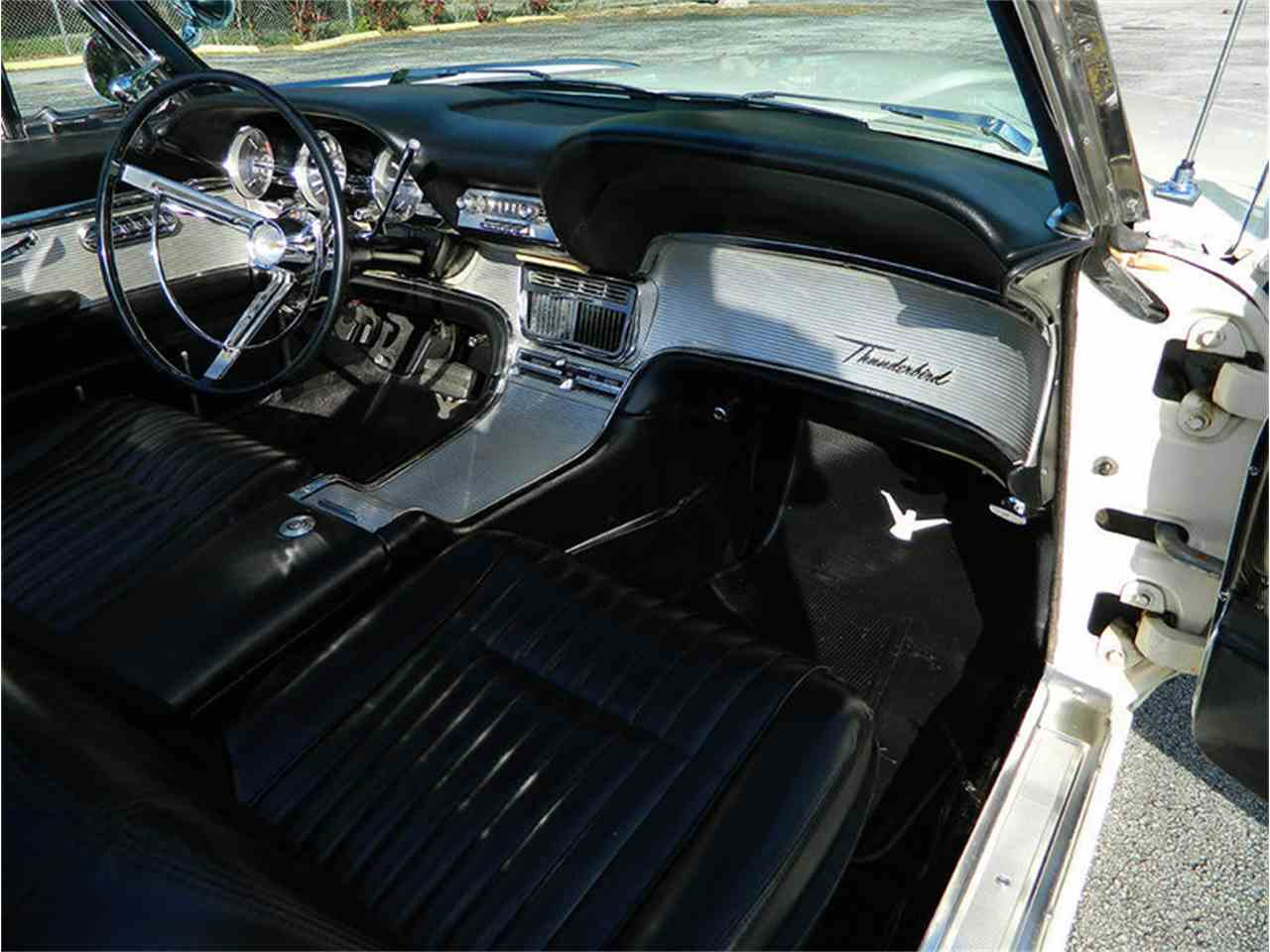 Large Picture of Classic '62 Ford Thunderbird - M8SF