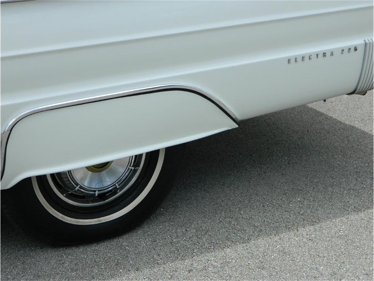 Large Picture of Classic 1962 Buick Electra 225 located in Florida - M8SN