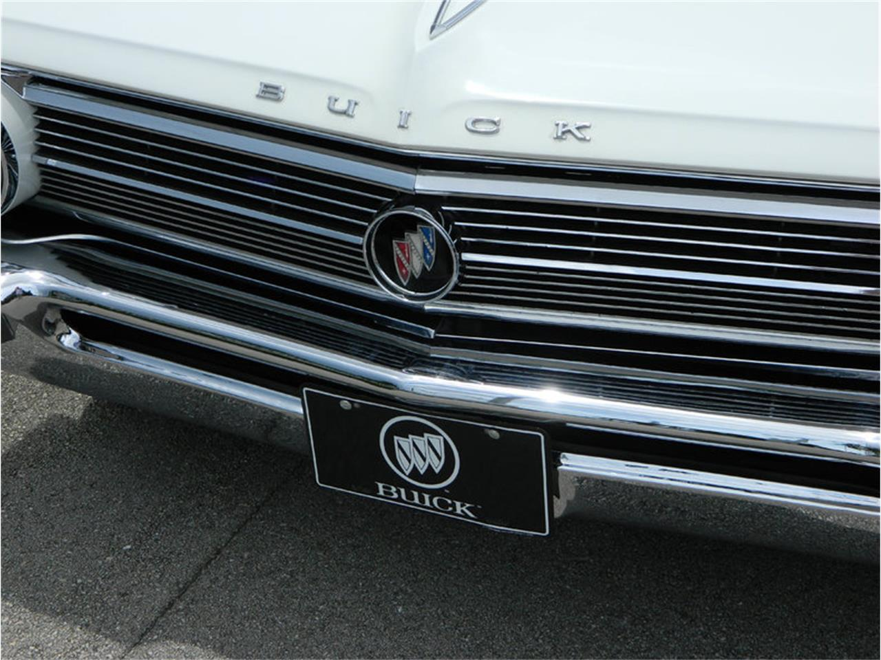 Large Picture of Classic '62 Buick Electra 225 located in Fort Lauderdale Florida - M8SN
