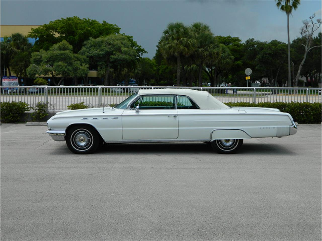 Large Picture of '62 Buick Electra 225 - $59,900.00 - M8SN