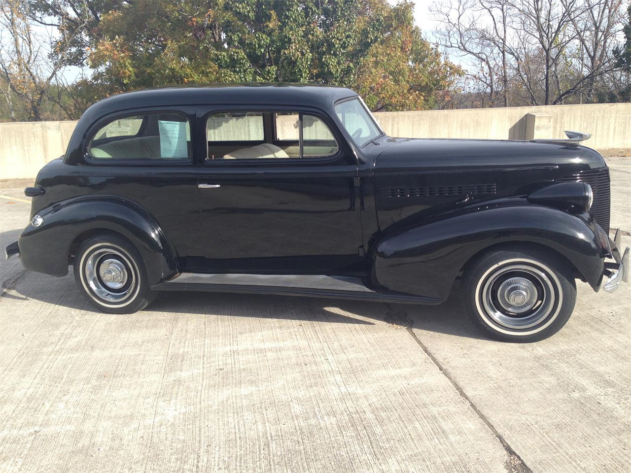 Large Picture of 1939 Chevrolet Deluxe located in Missouri - M8TV