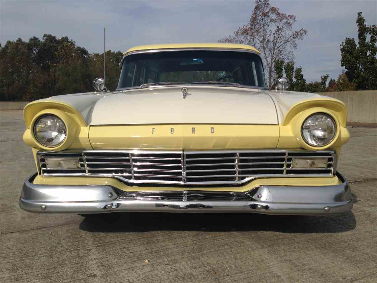 Large Picture of '57 Country Sedan - M8U6