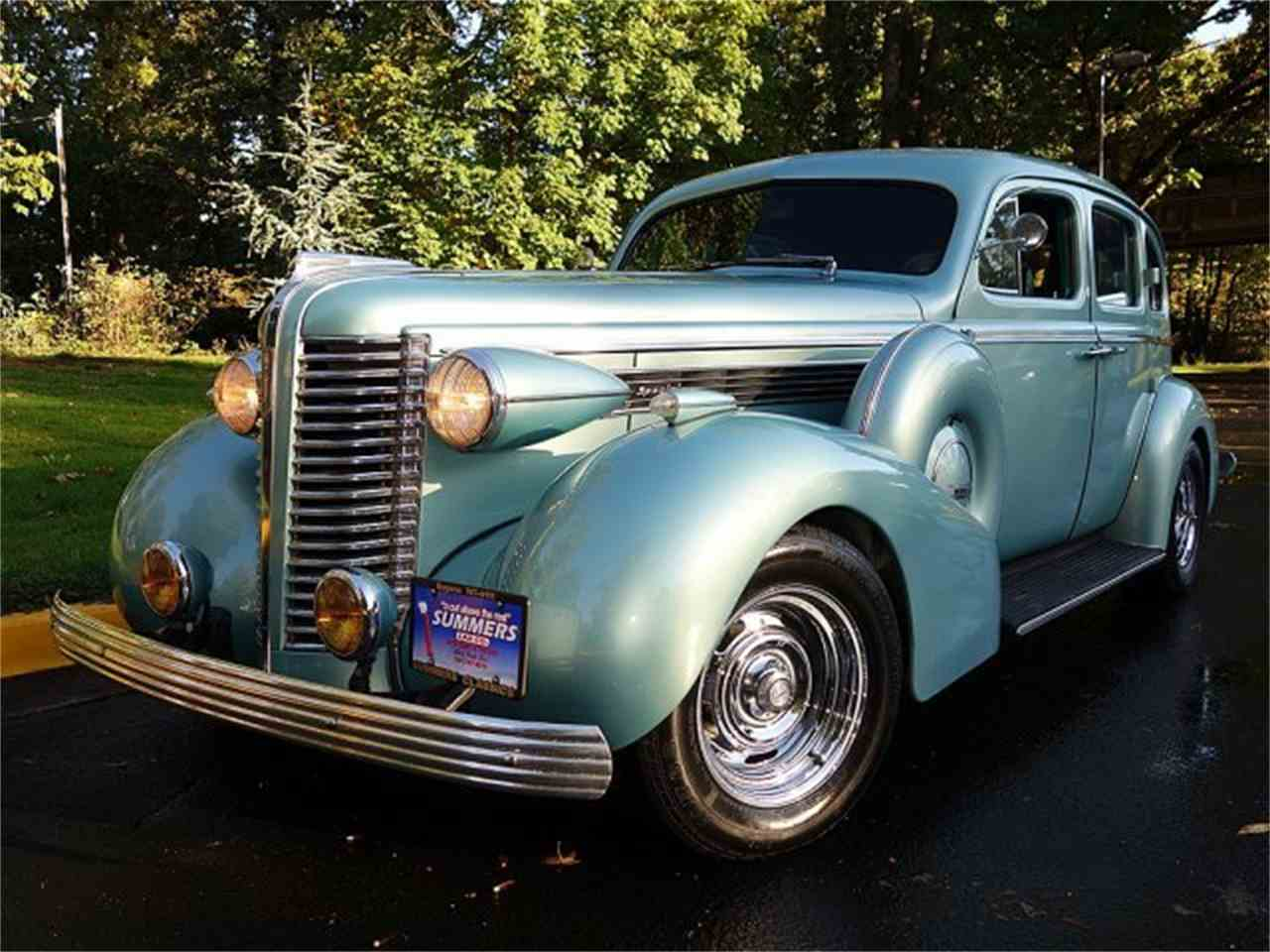 Large Picture of Classic 1938 Buick 4-Dr Sedan located in Eugene Oregon - $24,900.00 - M8UY