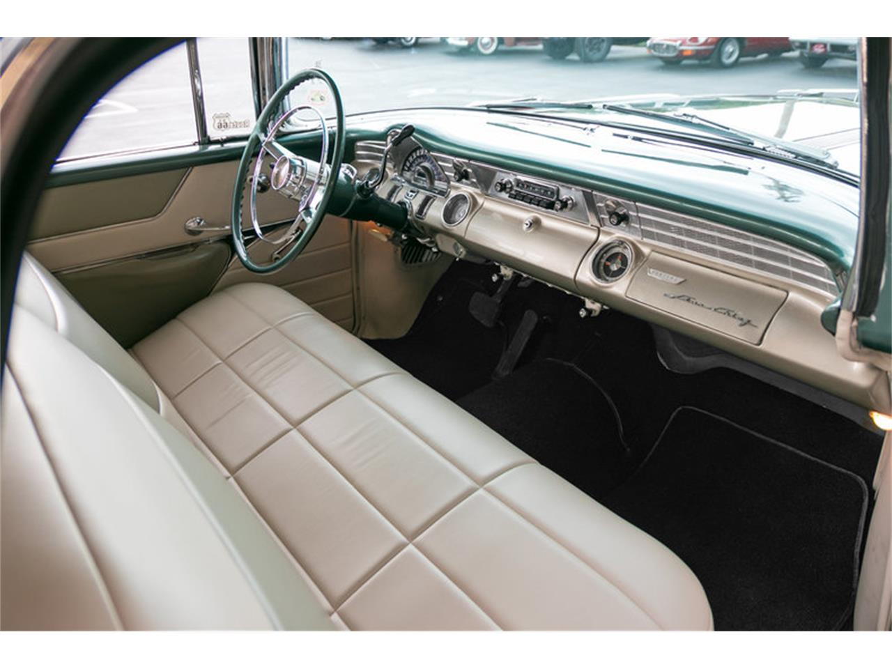 Large Picture of 1956 Pontiac Star Chief - M8Z0