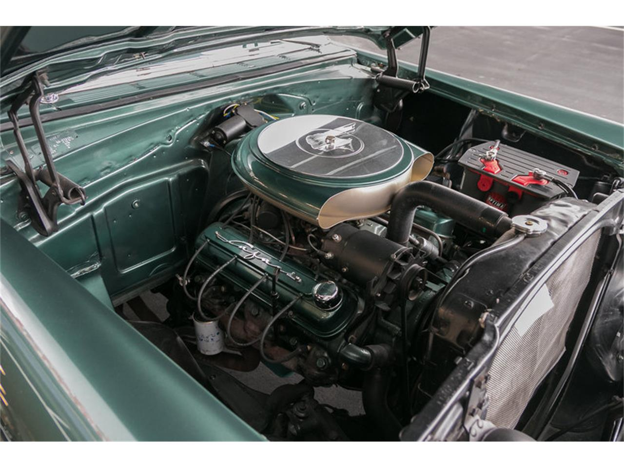 Large Picture of Classic 1956 Star Chief - M8Z0