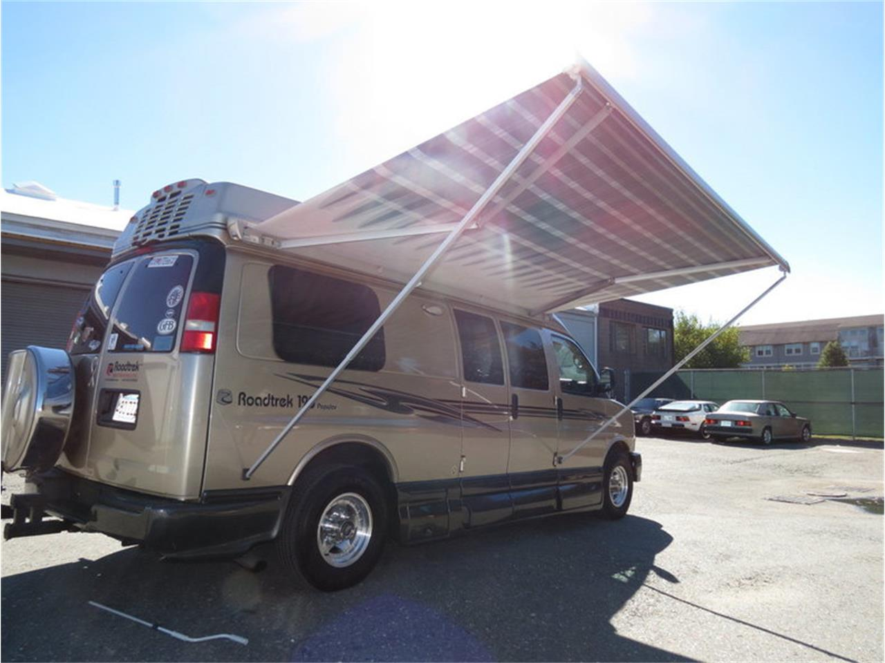 Large Picture of '11 Van - M8Z1