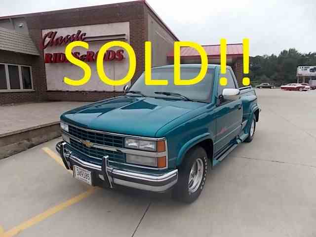 Picture of 1992 Chevrolet Pickup Offered by  - M8Z3
