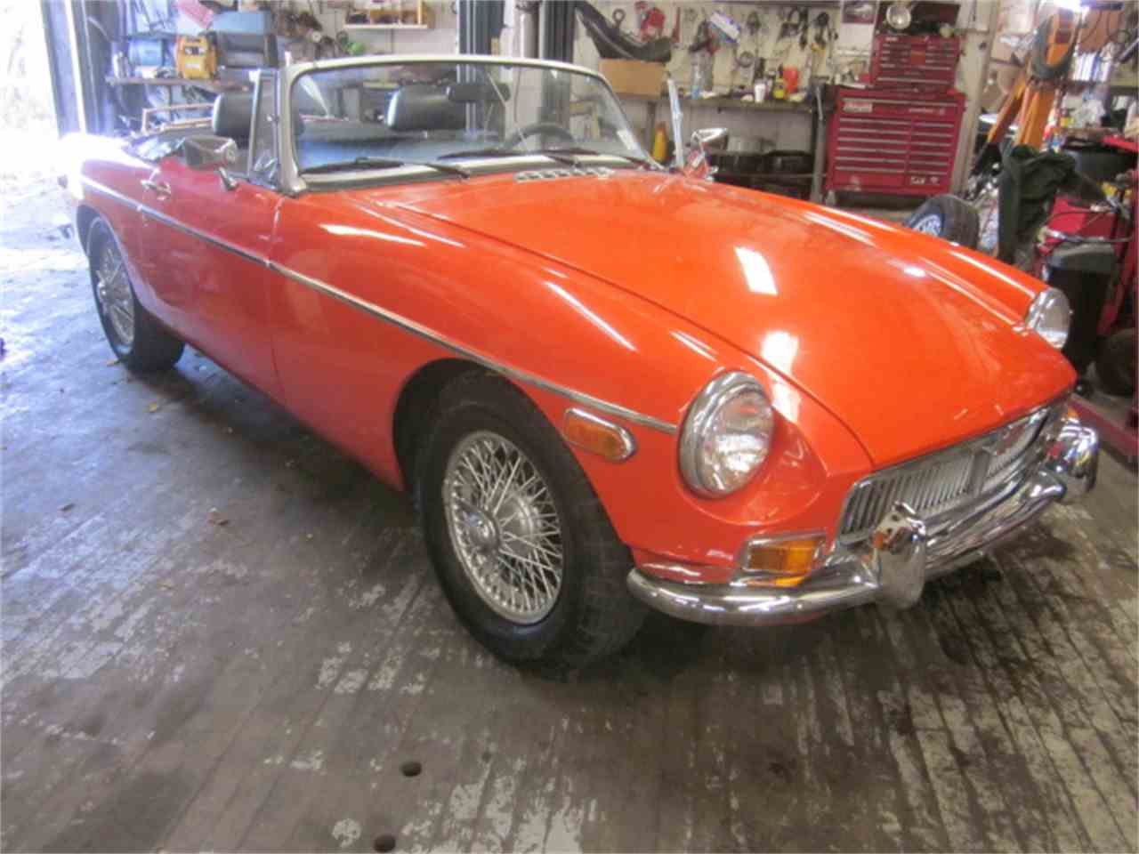 Large Picture of '77 MGB - M952