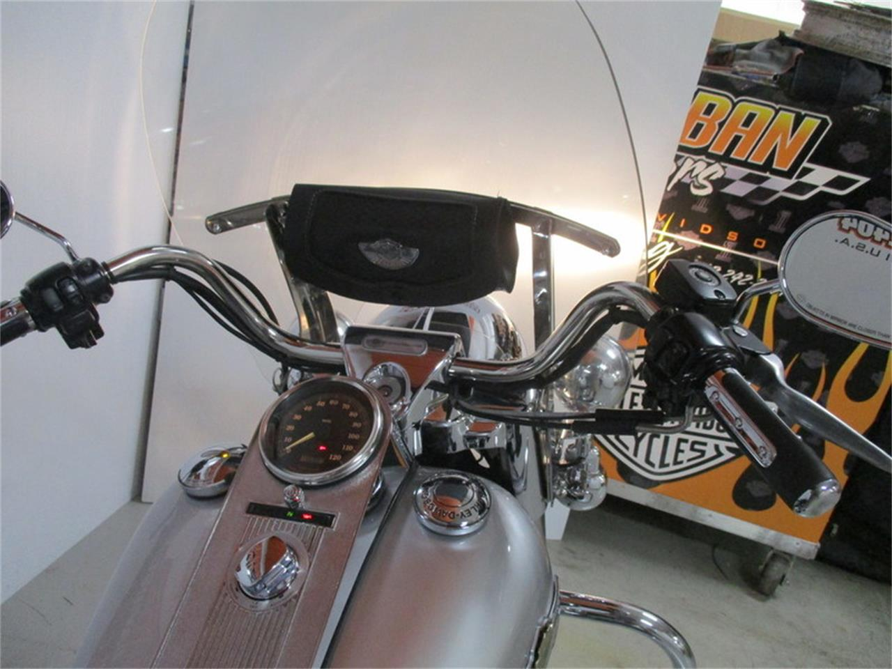 Large Picture of '03 FLHRC - Road King® Classic - M9CA