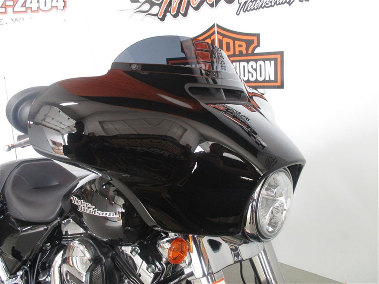 Large Picture of '16 Harley-Davidson® FLHX - Street Glide® - M9CC