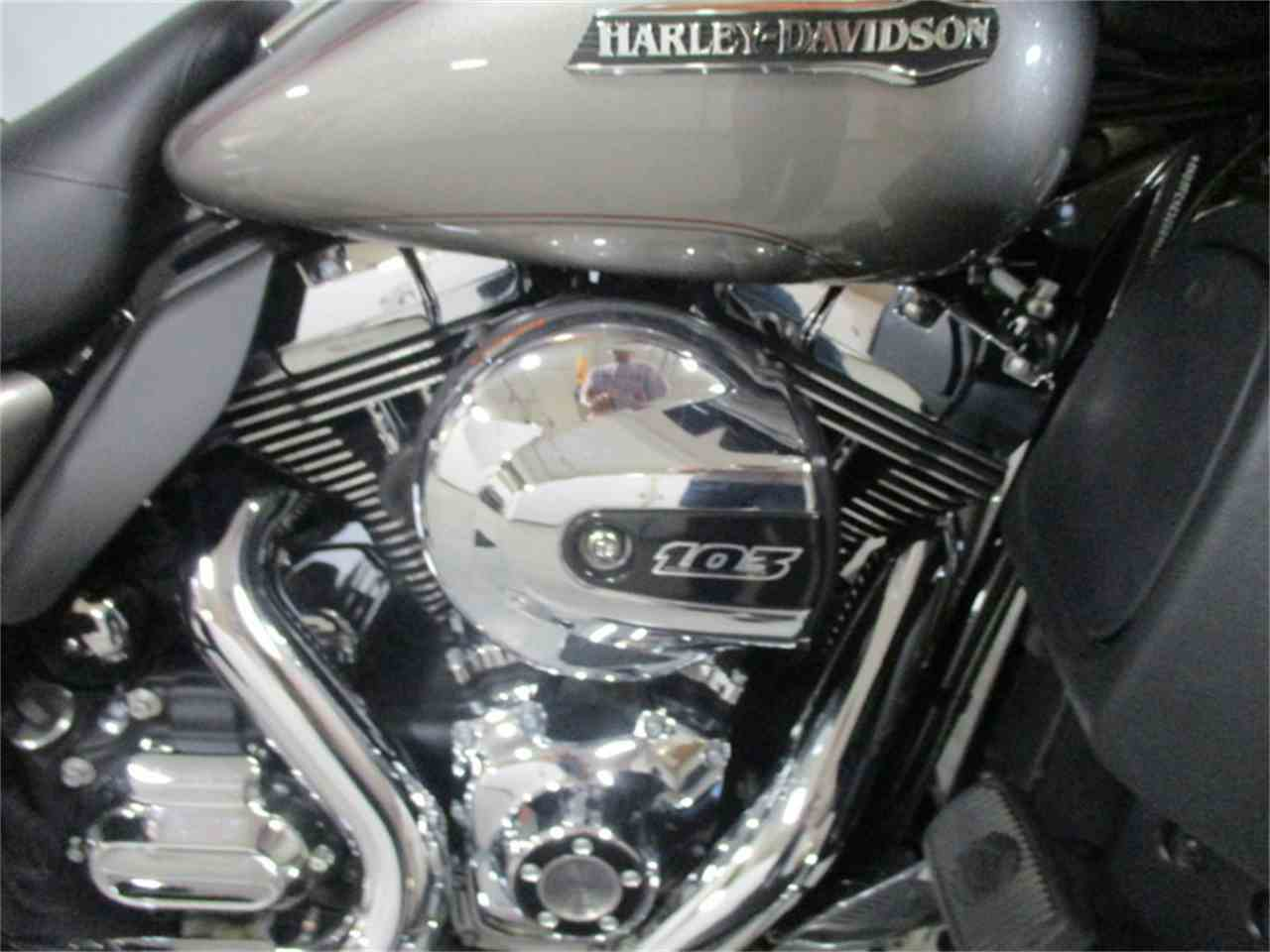 Large Picture of '16 FLHTCU - Electra Glide® Ultra Classic® - M9DO